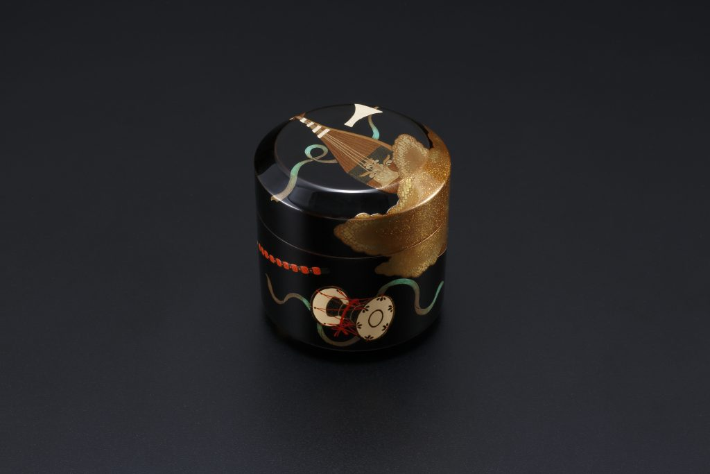 Maki-e Tea Container With Design of Musical Instruments