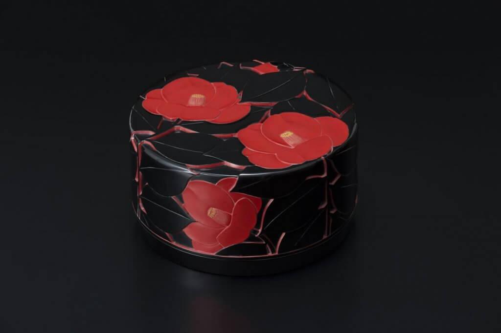 彫漆食籠「深山深紅」