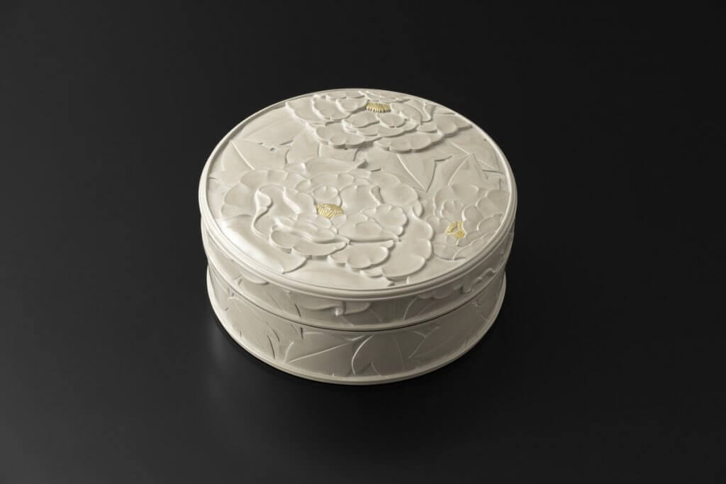 "White Carved Lacquer Food Box ""Peonies"""
