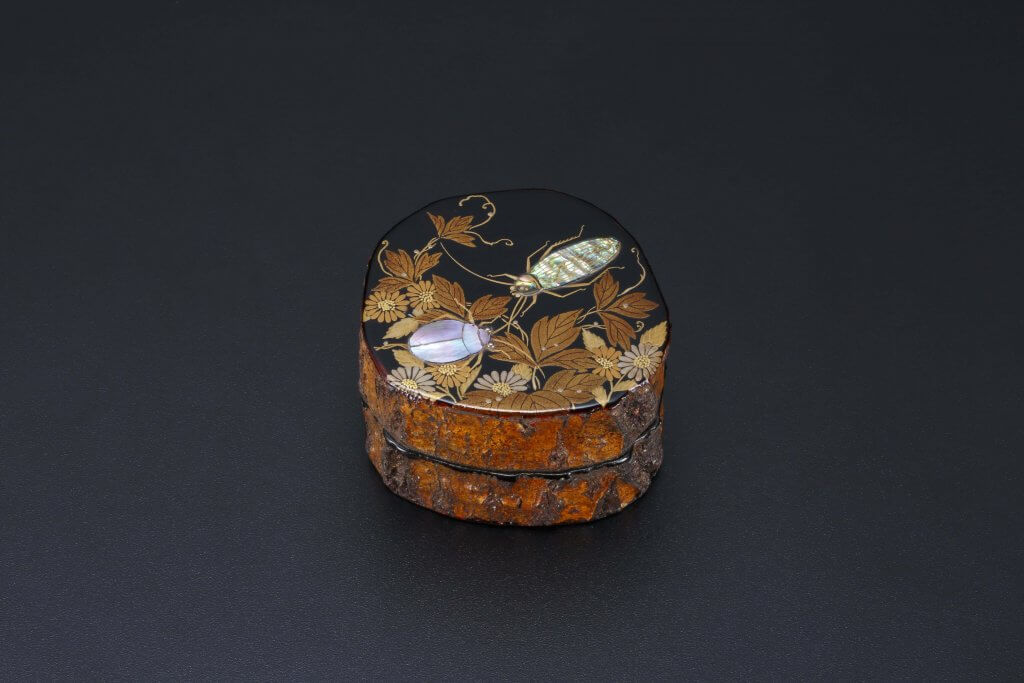 Unskinned Oak Incense Container With Design of Autumn Flowers And Two Insects